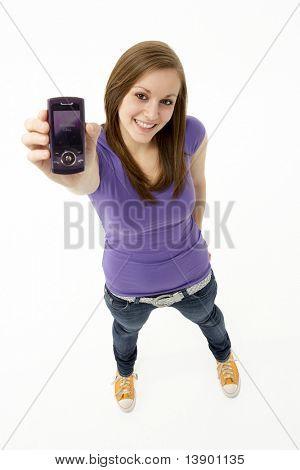 Adolescente con teléfono móvil