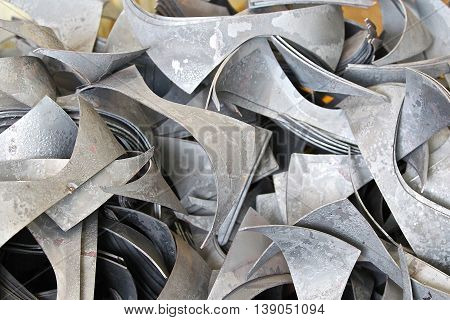 wastes from the preparation for the installation of special shaped sheet