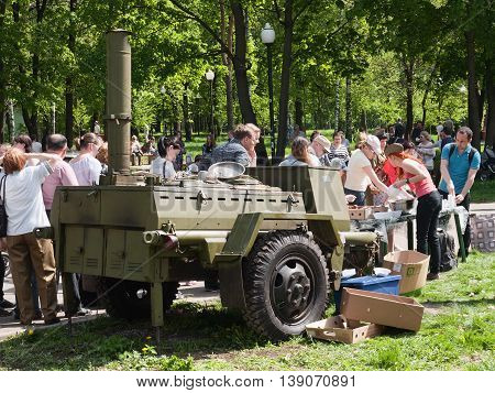 Treat soldier's porridge on the occasion of May 9, 2016, Moscow, Russia