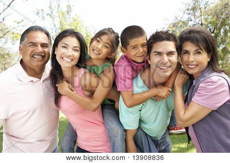 Grupo de familiares en el Parque