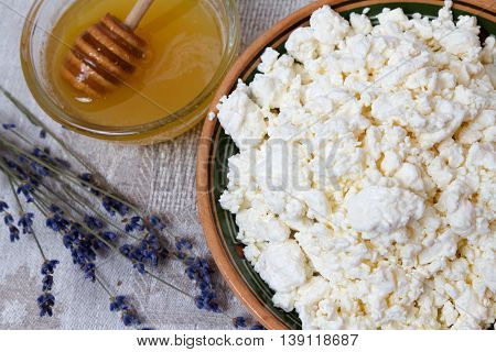 A healthy breakfast: cottage cheese and lavender honey