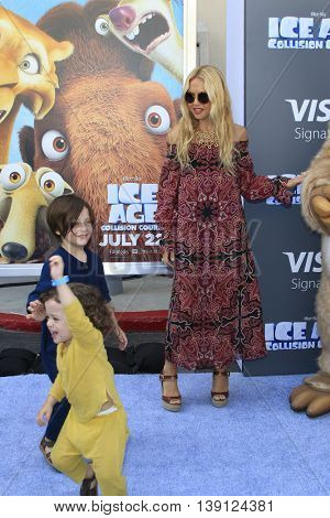 LOS ANGELES - JUL 17:  Rachel Zoe at the 'Ice Age: Collision Course' at the 20th Century Fox Lot on July 17, 2016 in Los Angeles, CA