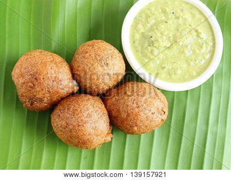 Indian snack, Mangalore bajji, made from deep-frying batter of refined wheat flour and yogurt, native to Mangalore city, Karnataka state, India.