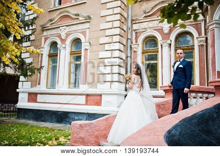 Wedding Couple In Love Bacground Old Brick House