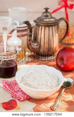 Creamy Vanilla Oat Porridge