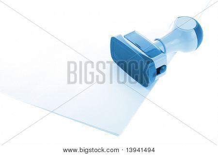 Büro-Stempel über Papier in blau
