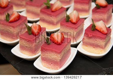 A strawberry Mini cake delicious and beautiful.