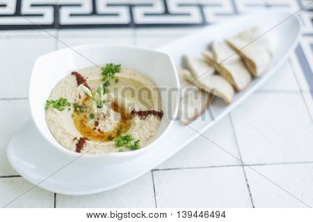 hummus houmous middle east vegetarian chickpea dip famous snack food