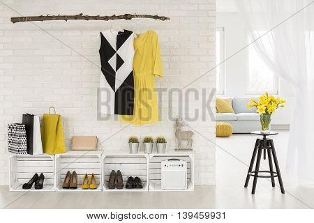 Hallway Arrangement Ideas Suitable For A Nature-loving Businesswoman
