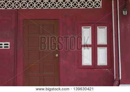 Ancient Chinese style woods doors rad wall