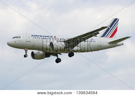 SAINT PETERSBURG, RUSSIA - MAY 17, 2016: Airbus A319-111 (F-GRXF) of Air France airline in the sky before landing in Pulkovo airport