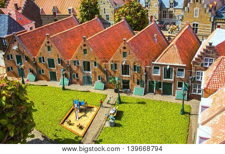 Housing and Architecture of the Netherlands. Old houses and palaces Gothic