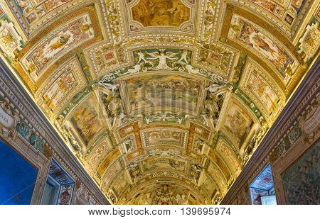 VATICAN CITY - SEPTEMBER 23 2015 : interiors and architectural details of the Vatican museum