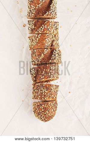 sliced wholegrain baguette with poppy and sesame