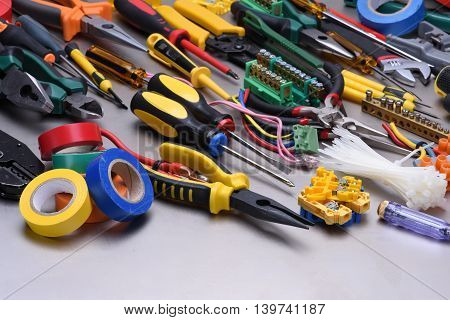 Tools and accessories used in electrical installations