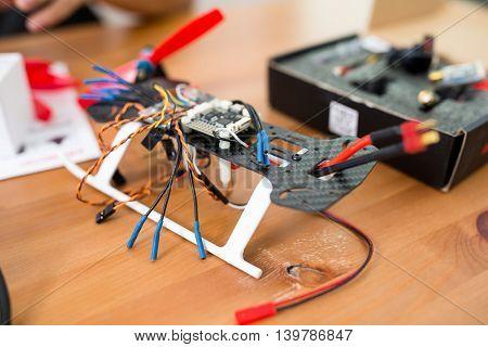 Drone racer building