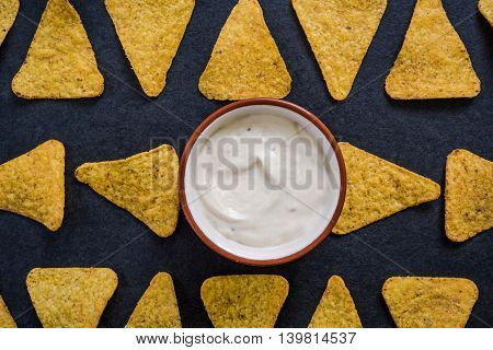 Mexican Nachos With Sour Dip