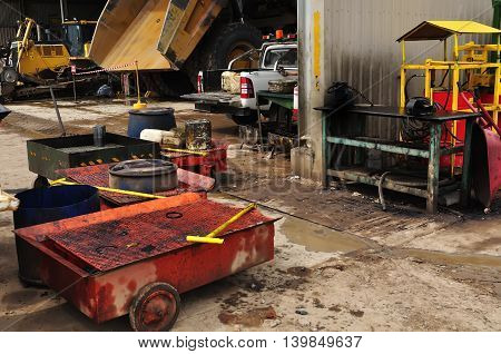 the repair of vehicles in the workshop