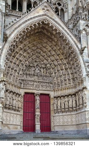 Amiens Cathedral is a Roman Catholic cathedral. The cathedral was built between 1220 and c.1270 and has been listed as a UNESCO World Heritage Site since 1981 France. Portal
