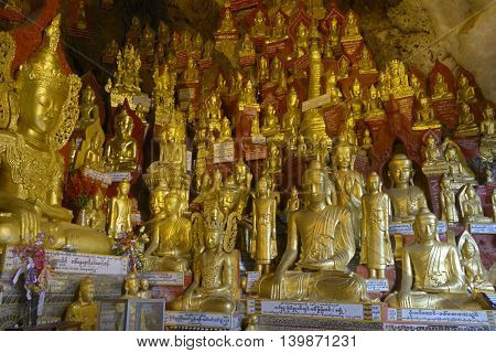 ave with thousands of golden buddhas inside
