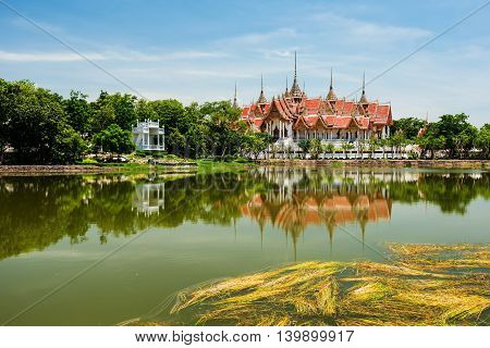 Wat Phai Rong Wua, Suphanburi