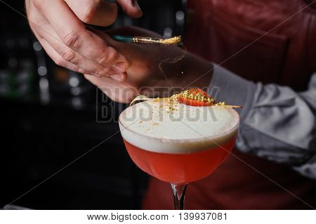 dusting cocktail drink with food color no face