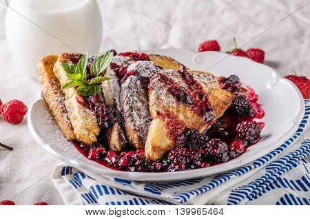 French Toast With Fruits