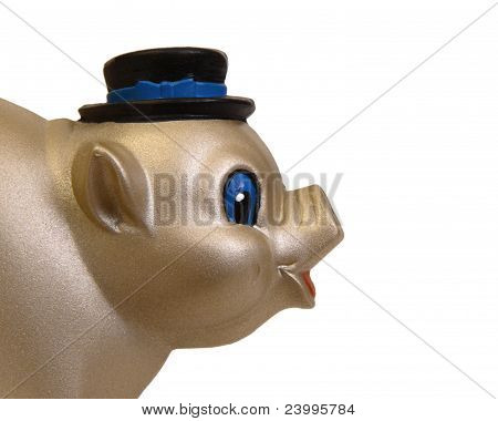 Piggy wearing top hat