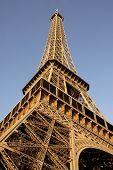 Постер, плакат: Эйфелева башня Парижа