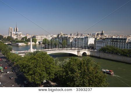 Notre Dame Seine And Pont De La Tournelle