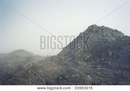 Landschaft mit Nebel über das land