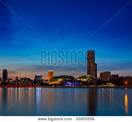 Singapore skyline at Marina Bay in the evening