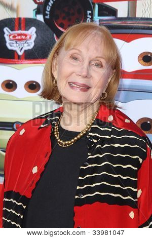 ANAHEIM - JUN 13:  Katherine Helmond arrives at the