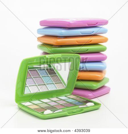 Eyeshadows Kit With Mirror