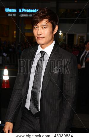 LOS ANGELES - MAR 28:  Byung-Hun Lee arrives at the