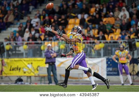 VIENNA, AUSTRIA - MAY 13: WR Laurinho Walch (#81 Vikings) catches the ball on May 13, 2012 in Vienna, Austria.