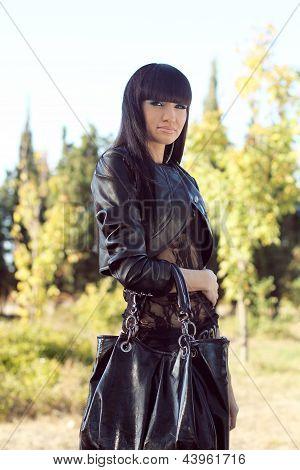Foto de mulher bonita é em estilo moderno, Cool Lady