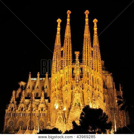 BARCELONA, SPAIN - AUGUST 15: Sagrada Familia at night on August 15, 2012 in Barcelona, Spain. The impressive cathedral designed by Antoni Gaudi is being built since 1882 and is not finished yet