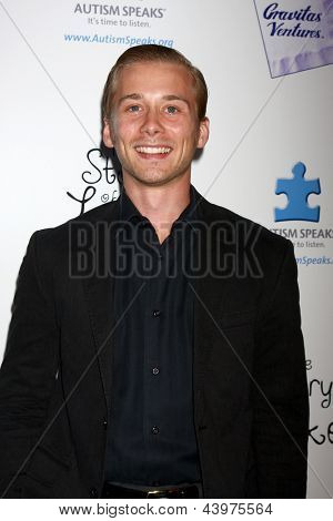 LOS ANGELES - APR 2:  Lou Taylor Pucci arrives at