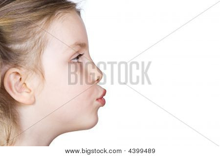 Kind Blasen kiss