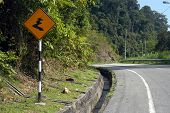 foto of veer  - curving road ahead sign - JPG
