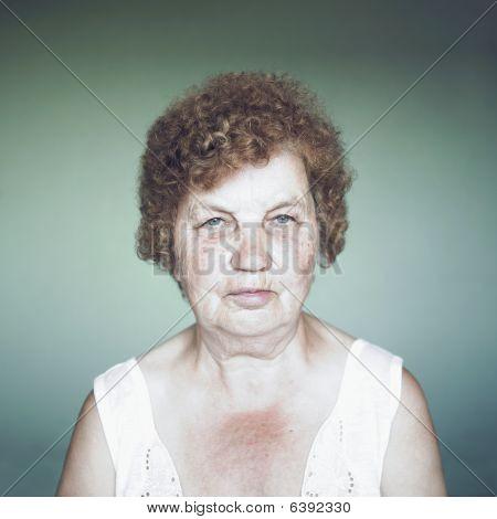 gnädig senior Lady portrait
