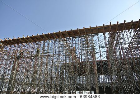 Scaffolding support the formwork