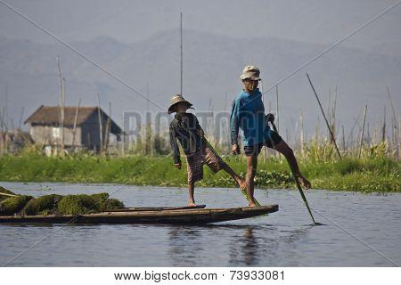 Fisherman/equilibrist On Inle Lake