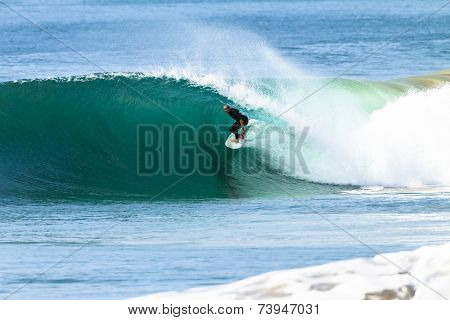Surfing Surfer Hollow Wave