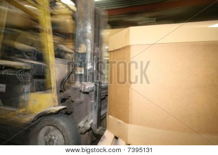 zooming lift truck