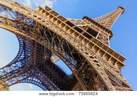 Eiffel Tower Wide