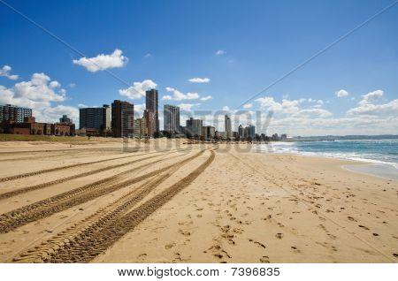 Stadtbild und Strand von Durban in Südafrika