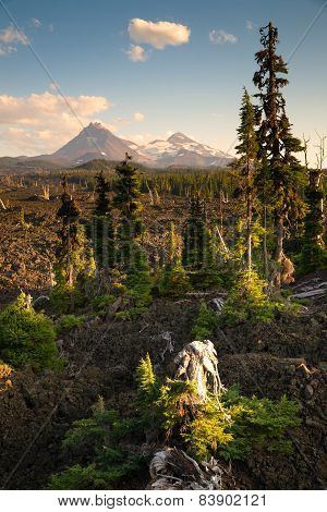 Mckenzie Pass Three Sisters Cascade Mountain Range Lava Field