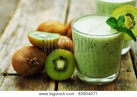 Smoothie Kiwi In A Glass